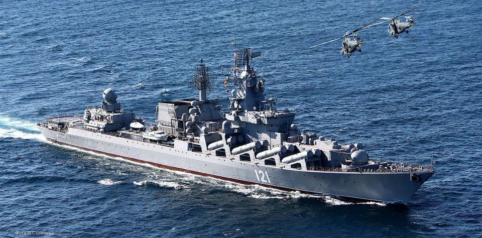 Литургия в походном храме гвардейского крейсера «Москва»