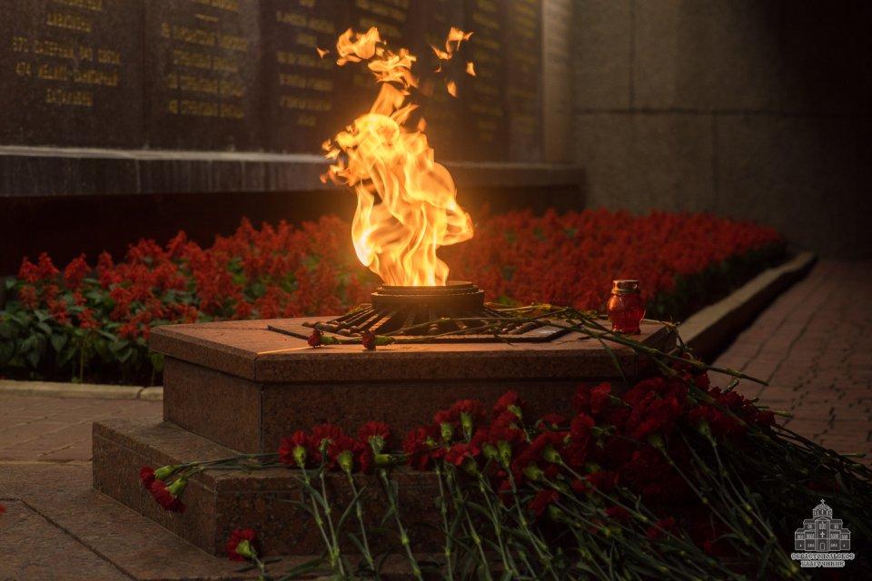 где картинки минута молчания свеча памяти него, какими они