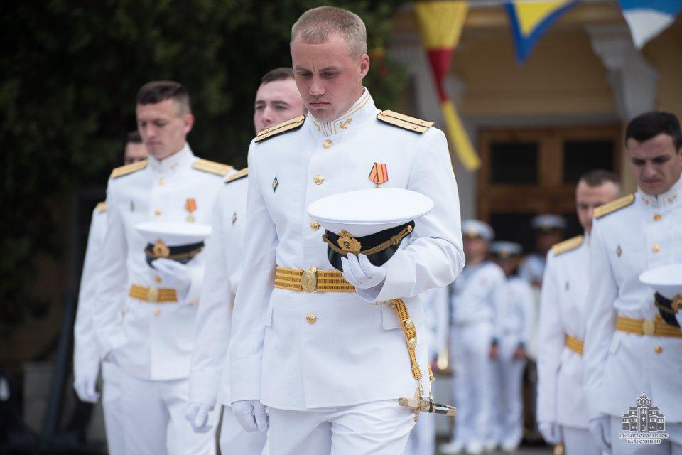 данном разделе фото морские офицеры в танце рекомендуют подводить воду